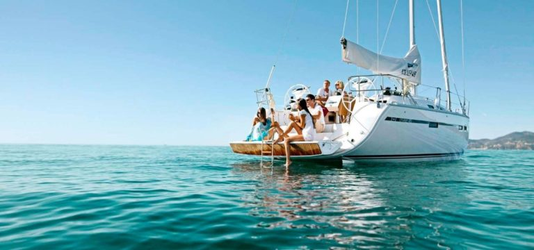 Take A Break From Your Hectic Lifestyle By Sailing On A Yacht