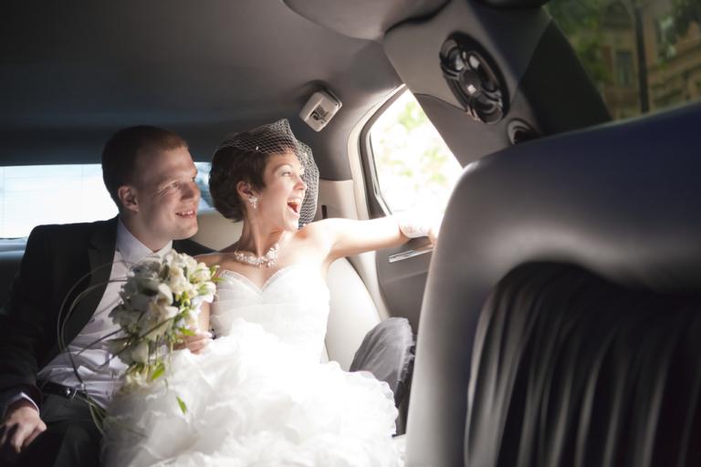 Oakville Wedding Limousine For Your Service