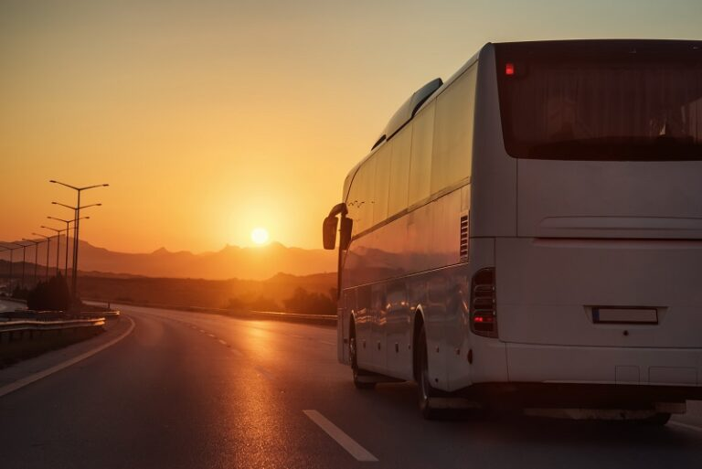 Enjoy the Best Amenities a Minibus Can Provide from Chicago Motor Coach